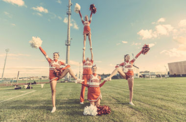Are You a Heckler or a Cheerleader?