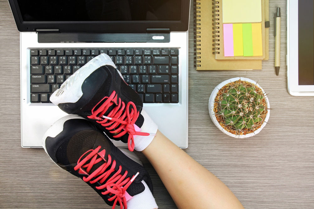 How to Stay in Shape at a Desk Job